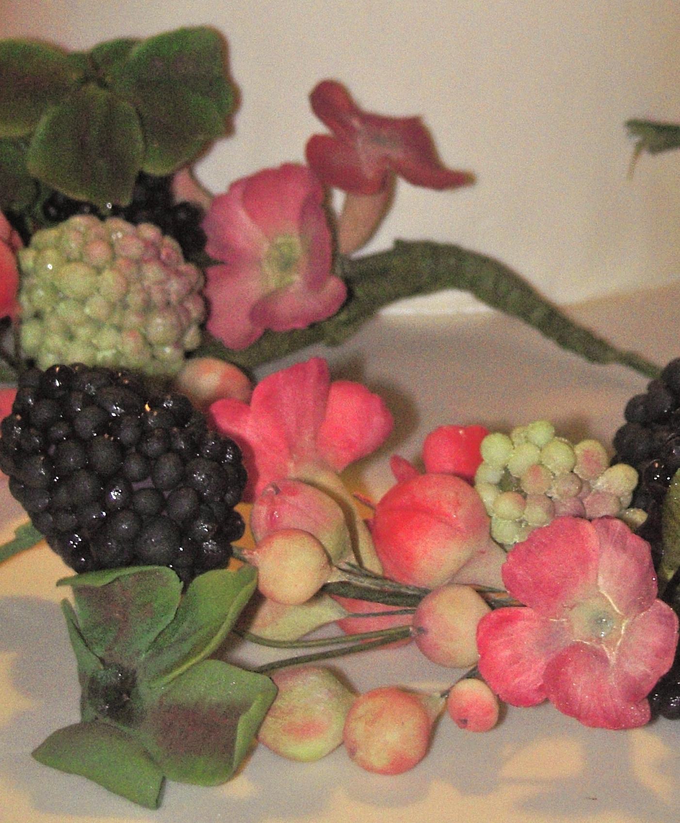 Dettaglio iperico more e fiori