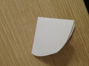 Come piegare la carta forno per ricoprire una teglia sferica